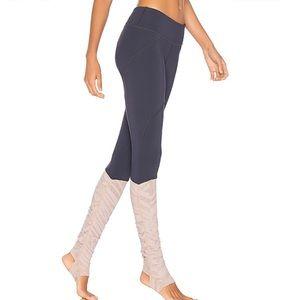 NWT VIMMIA VM/MA Rhythm Stirrup Legging in Night M
